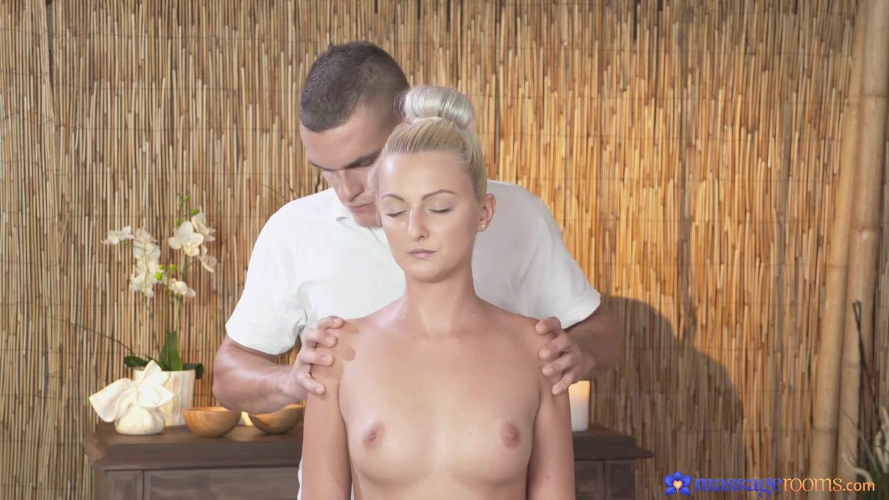 Pics Gallery Voyeur female masterbation hotel