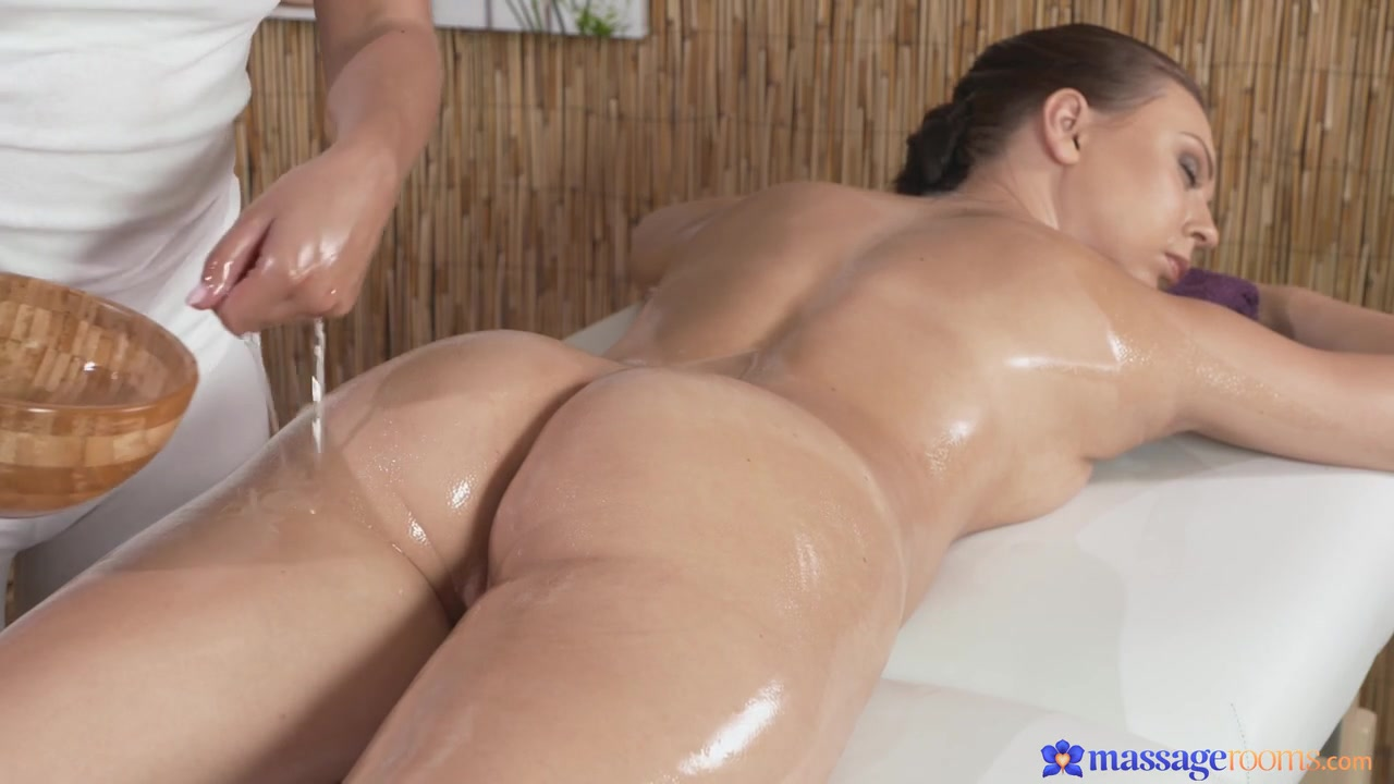 Lesbos fucker naked Grannie