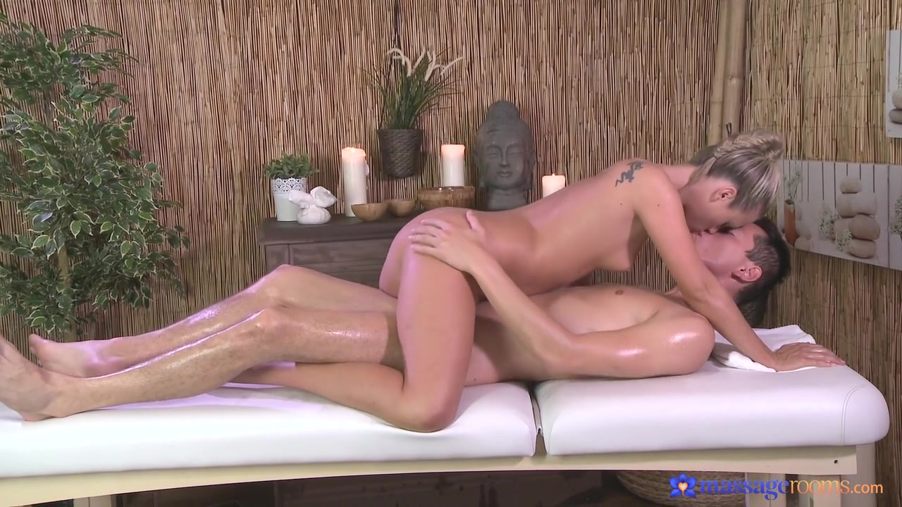 Naked xXx Escort femme garches