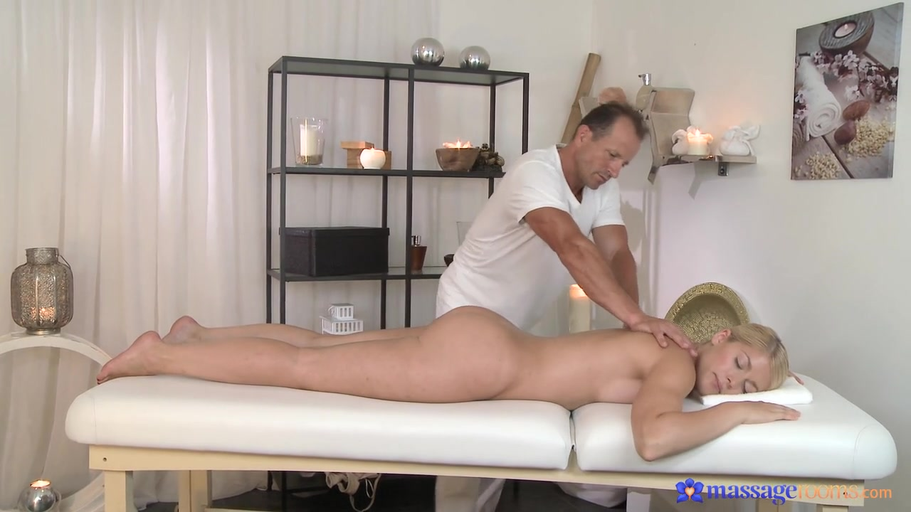 Ebony babe masturbating Nude gallery