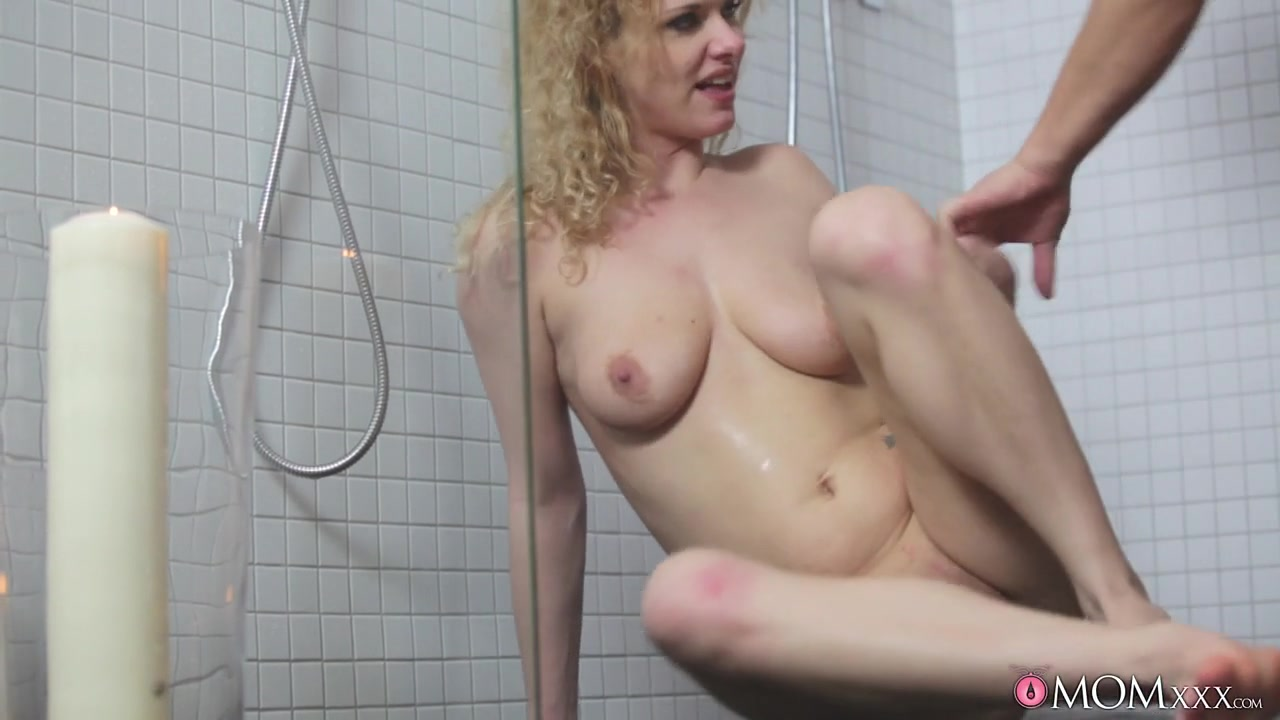 Mature in bed oral Good Video 18+