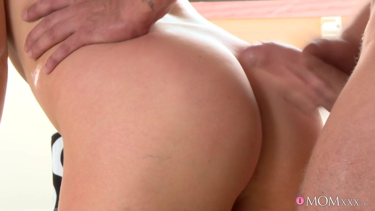 Porn clips Motley crue boob cam