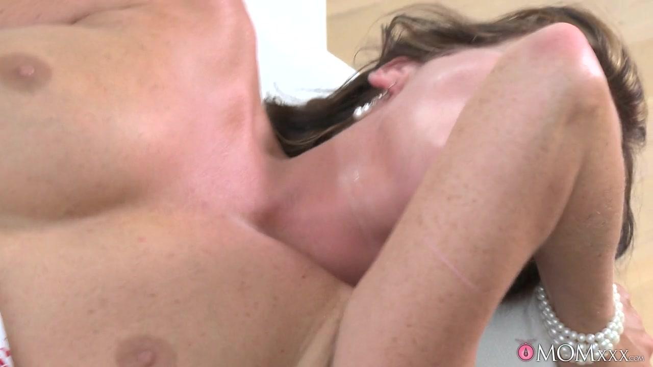 Porn archive Natural tits model