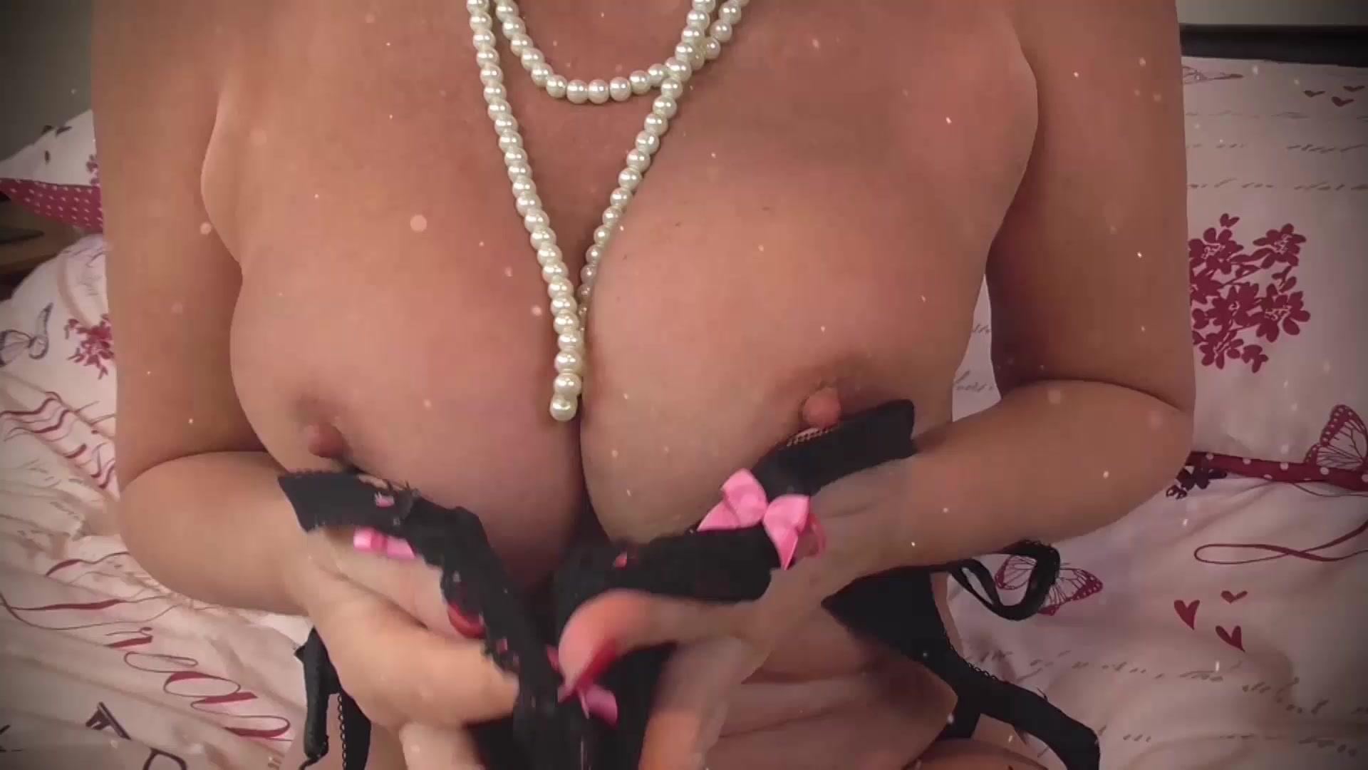 Hot Nude Cute non nude girls
