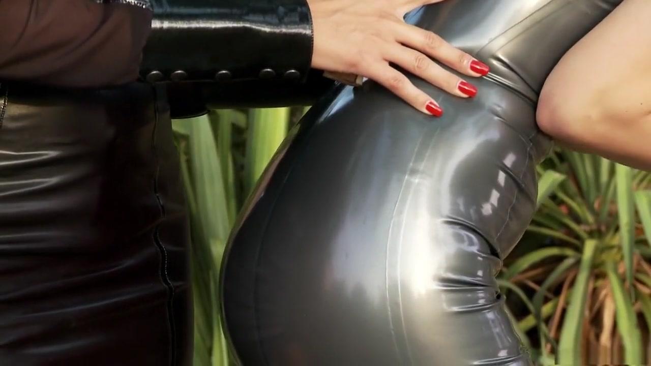 Alessandra ambrosio unmistakable pics