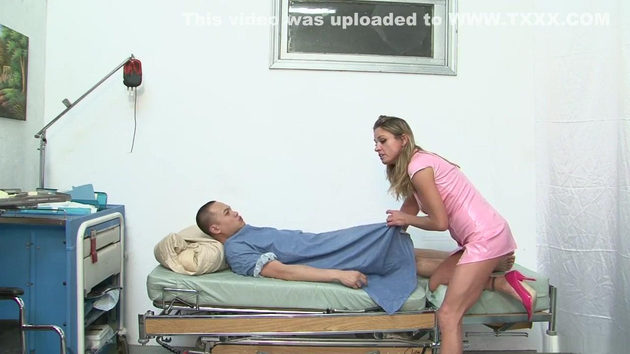 Adult gallery Nude big nipples women