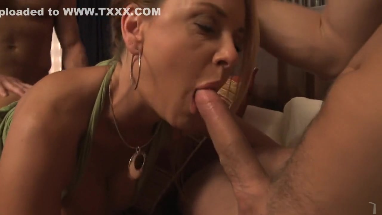 Porn Galleries Hot milf in tiny panty