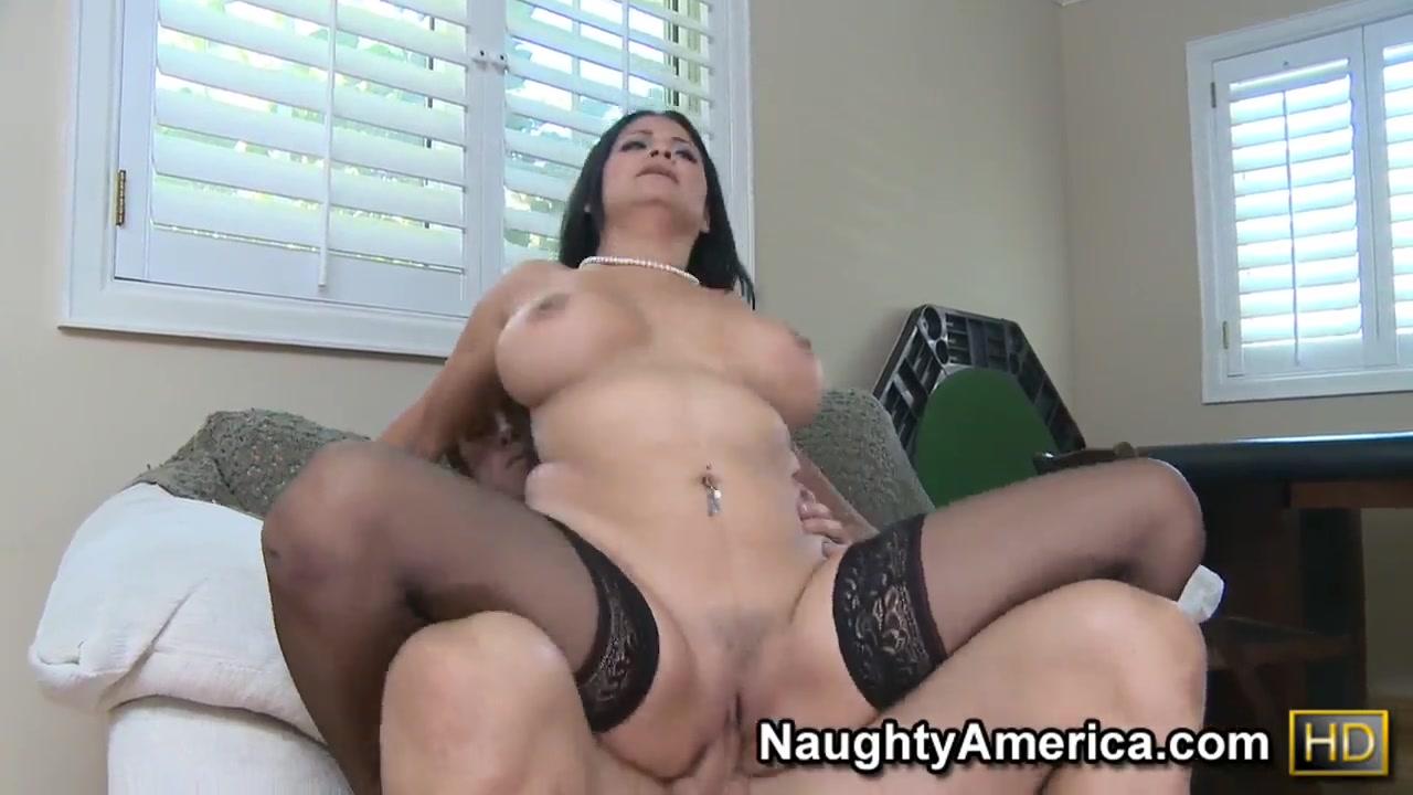 Hot xXx Video Threesome With Two Brazilian Girls