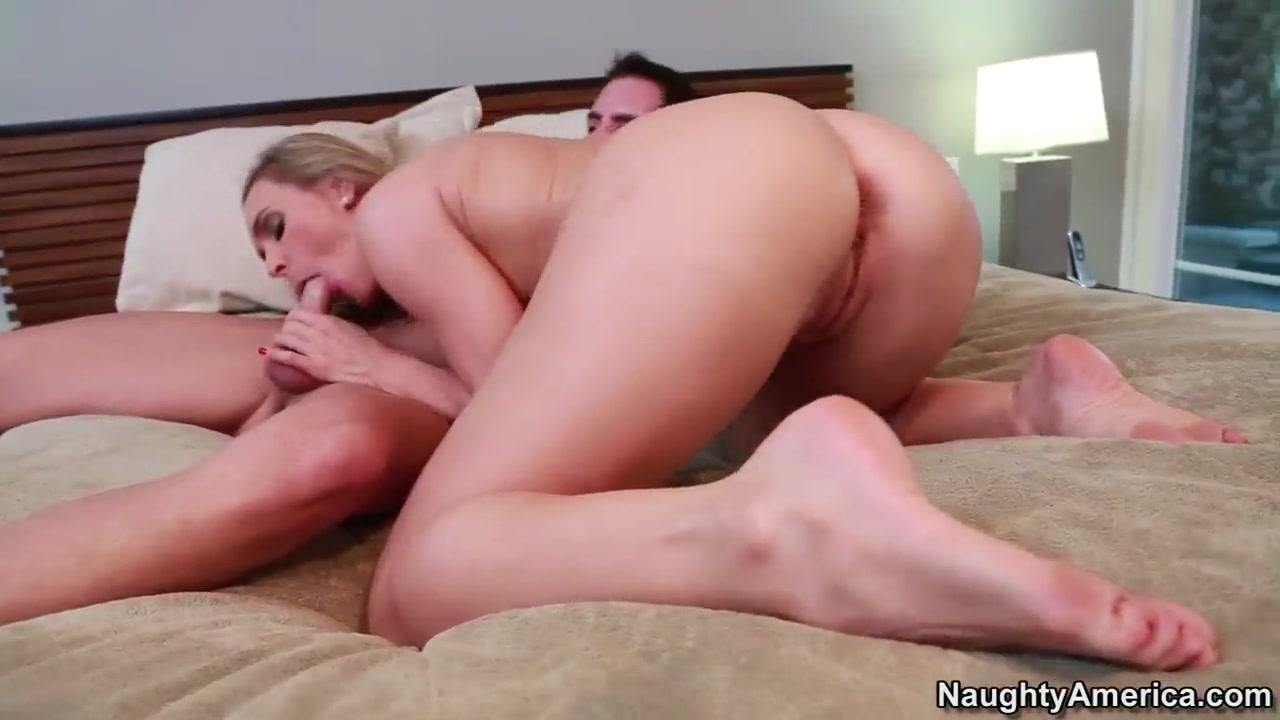 Naked FuckBook Nude mature bitch
