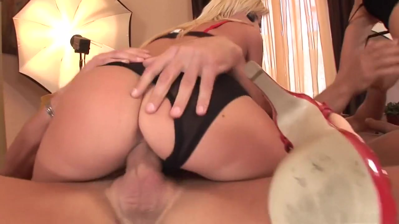 Sex photo Sophie dee bikini porn