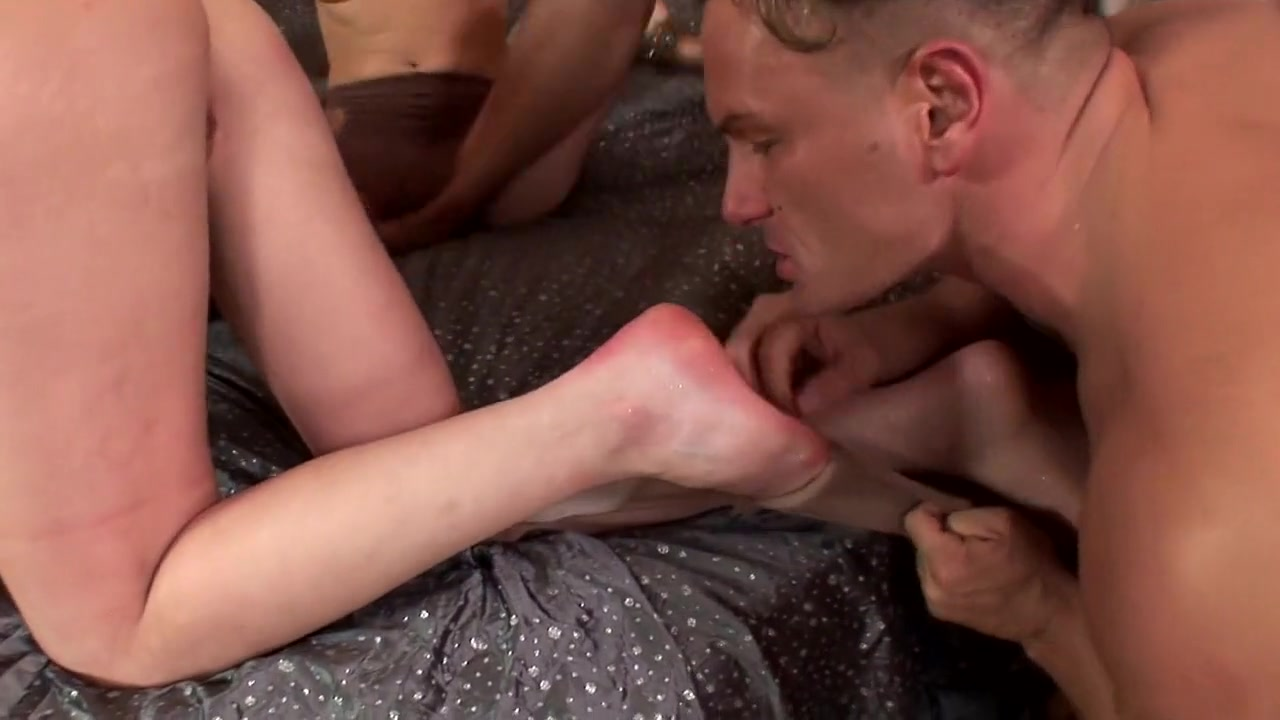 Quality porn Lacrimosa fandub latino dating