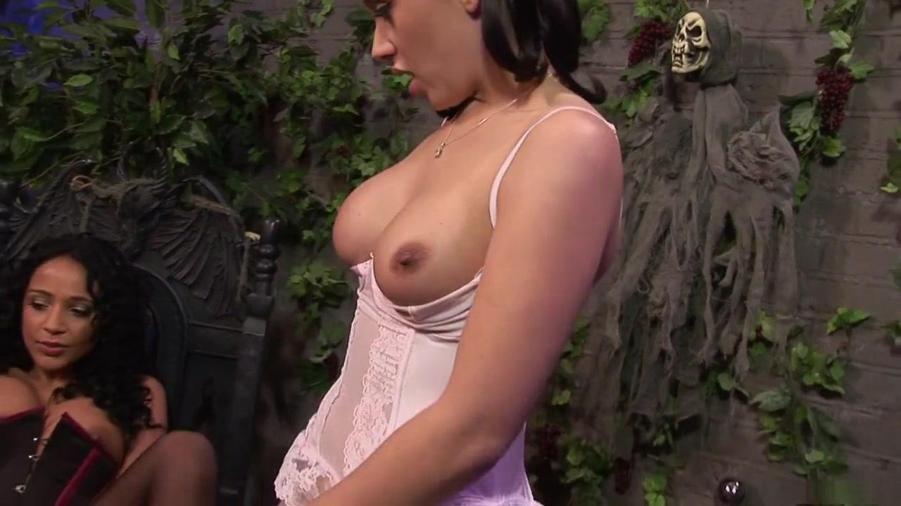 Pussu lesbin sexes masturbates