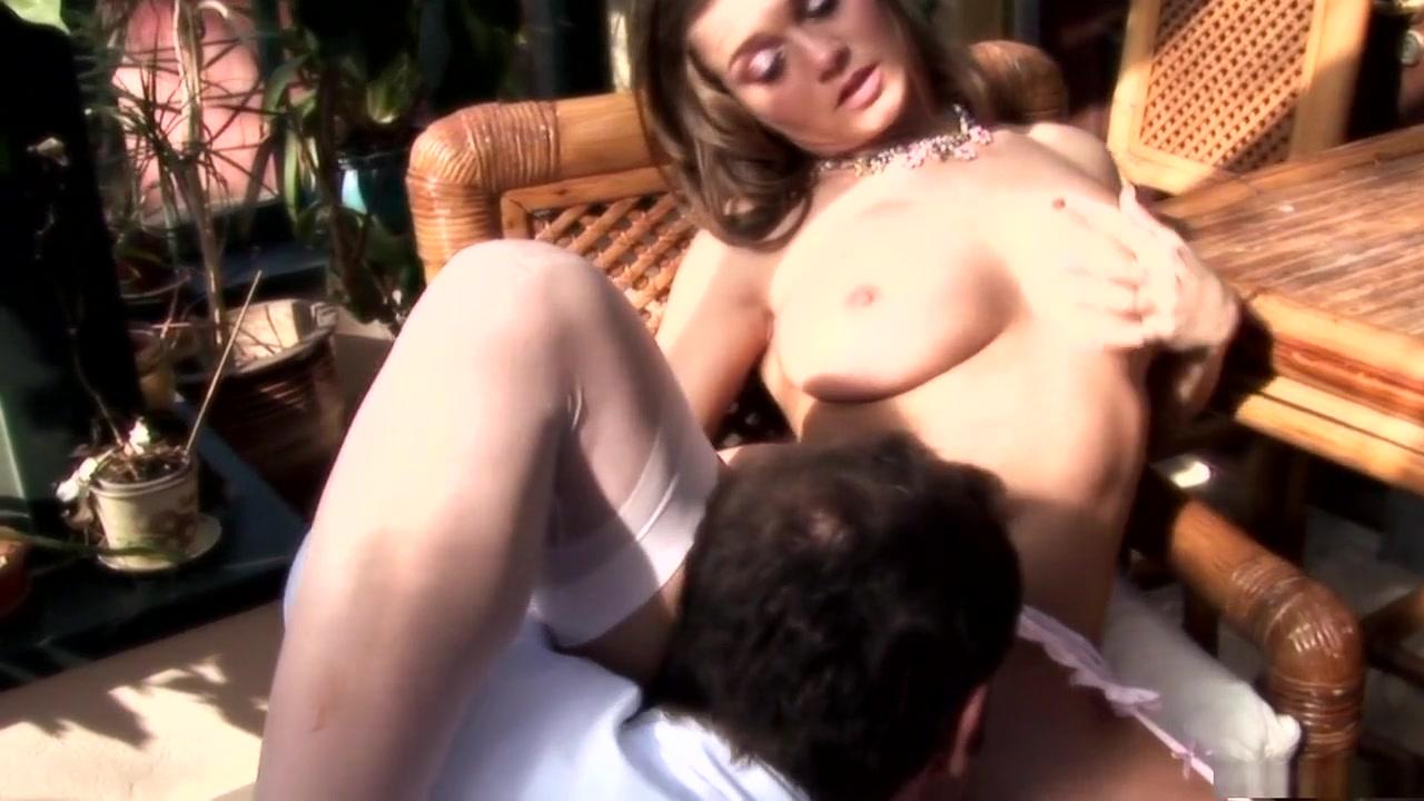 Porn clips Ebony with pretty feet