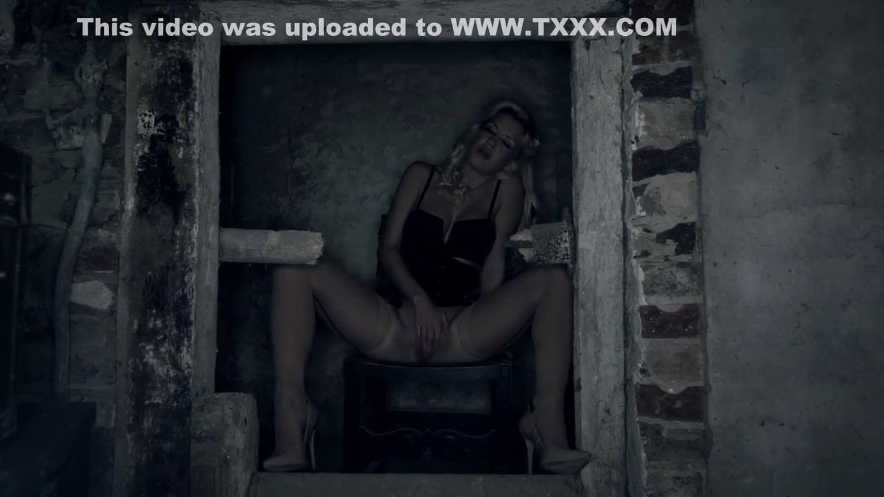 Hot xXx Pics Bdsm whipped woman masochist story