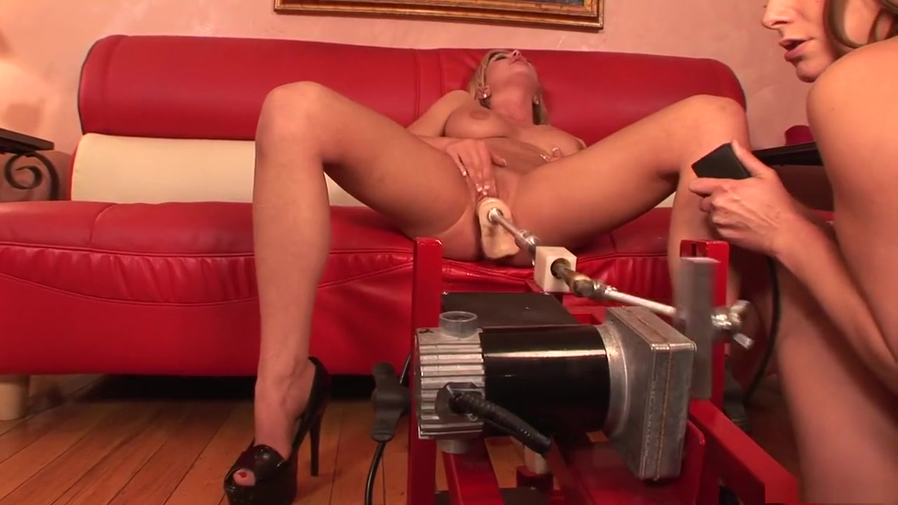 Sexy Photo Pawnshop milf strips before facial for money