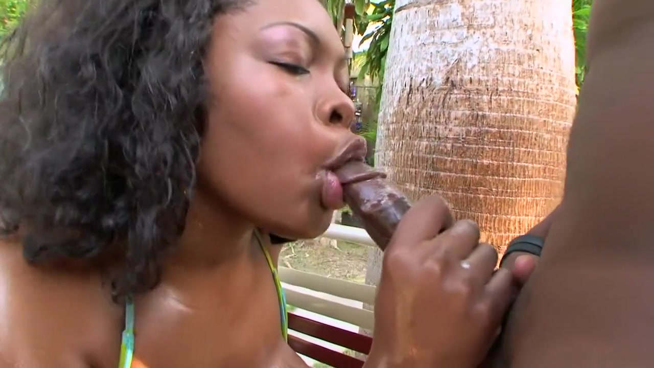 Sexy shemale blowjobs XXX Video