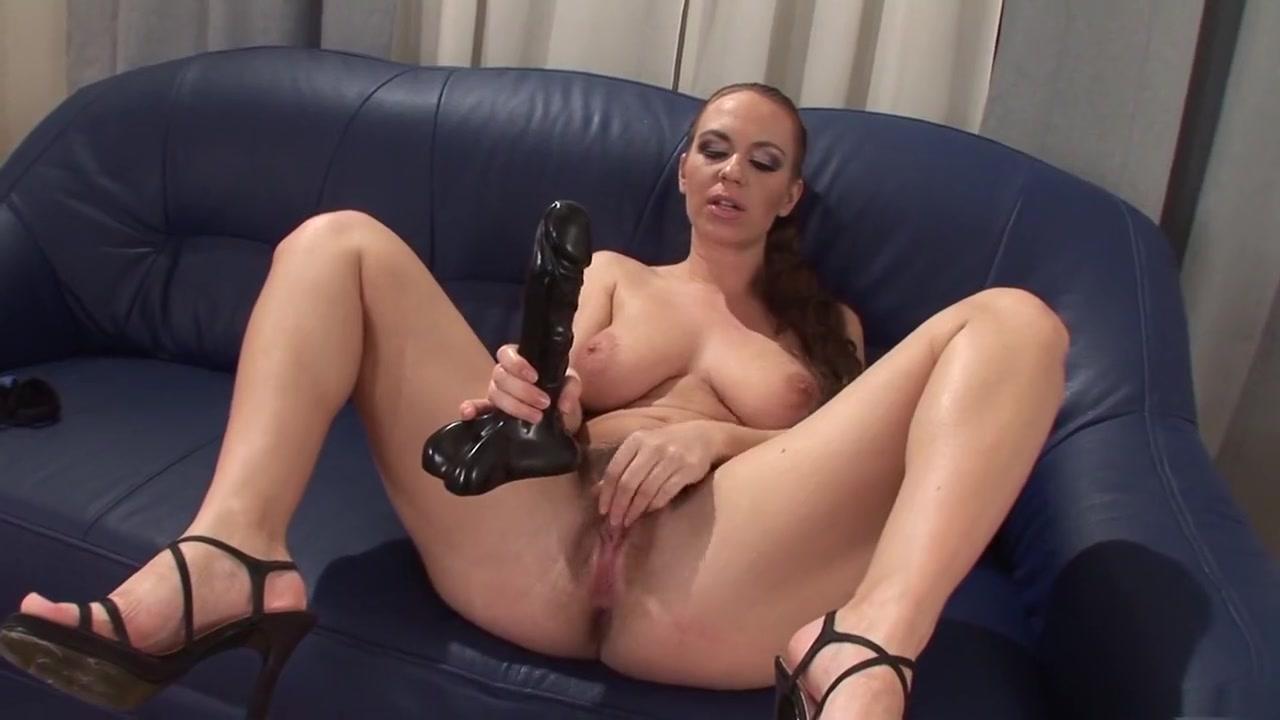 Sexy Hot Latinas Nude XXX photo