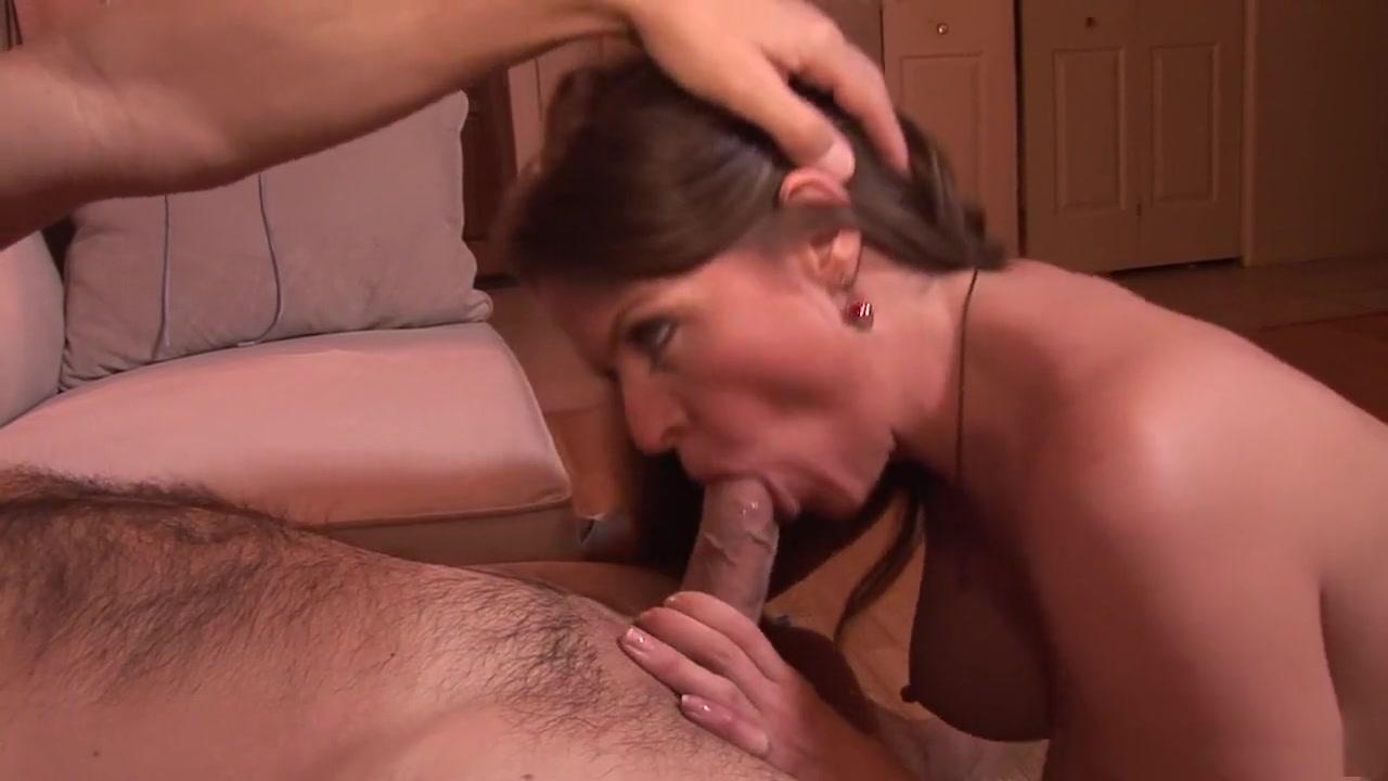 Hot Nude Women blowjob porn
