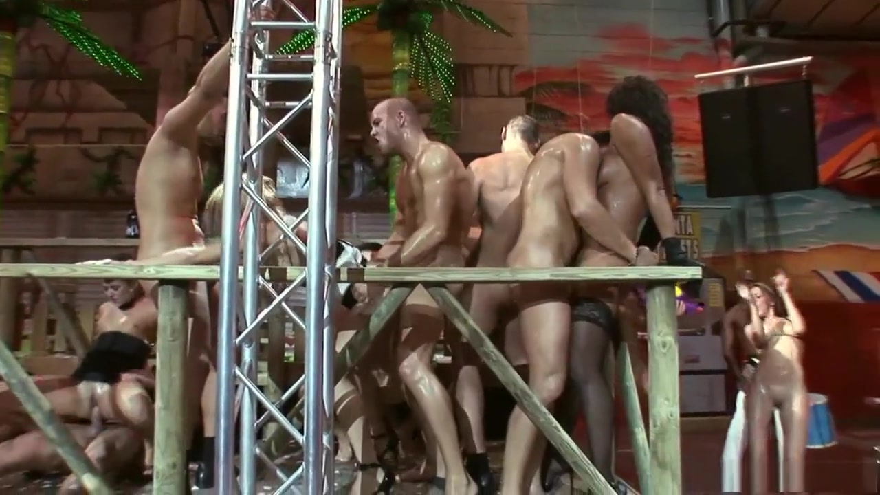 Women playing in bubbles naked Porn tube