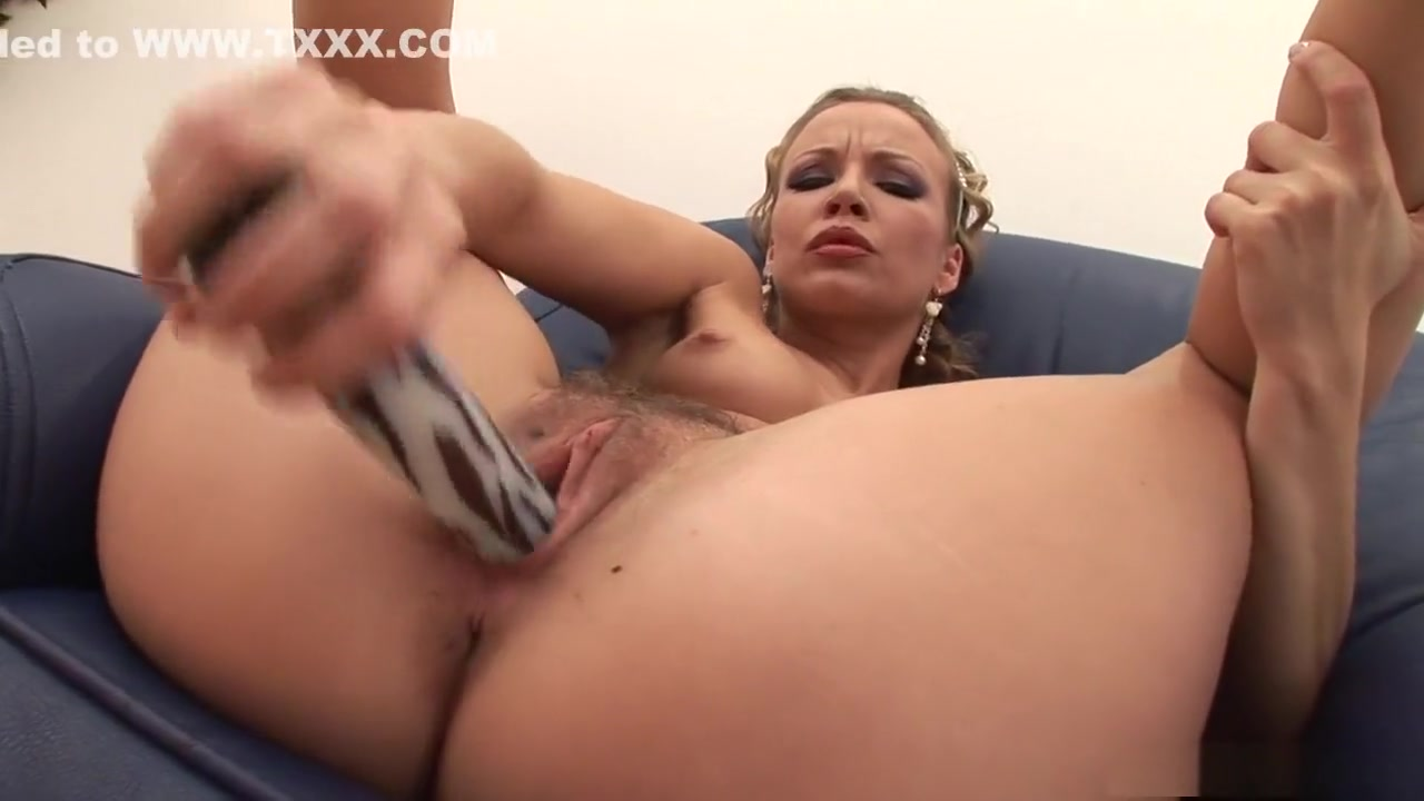 tight young innocent pussy Sexy Photo
