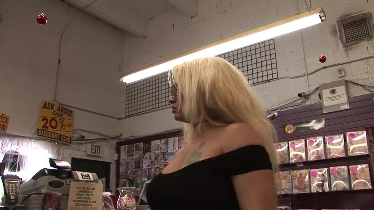 Masturbates porno Fetish lesbos