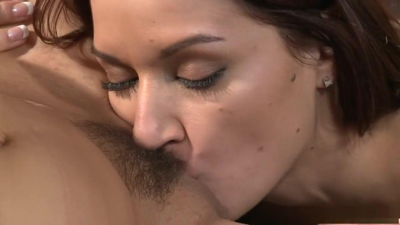 Lesbios fucked orgasm Threesome