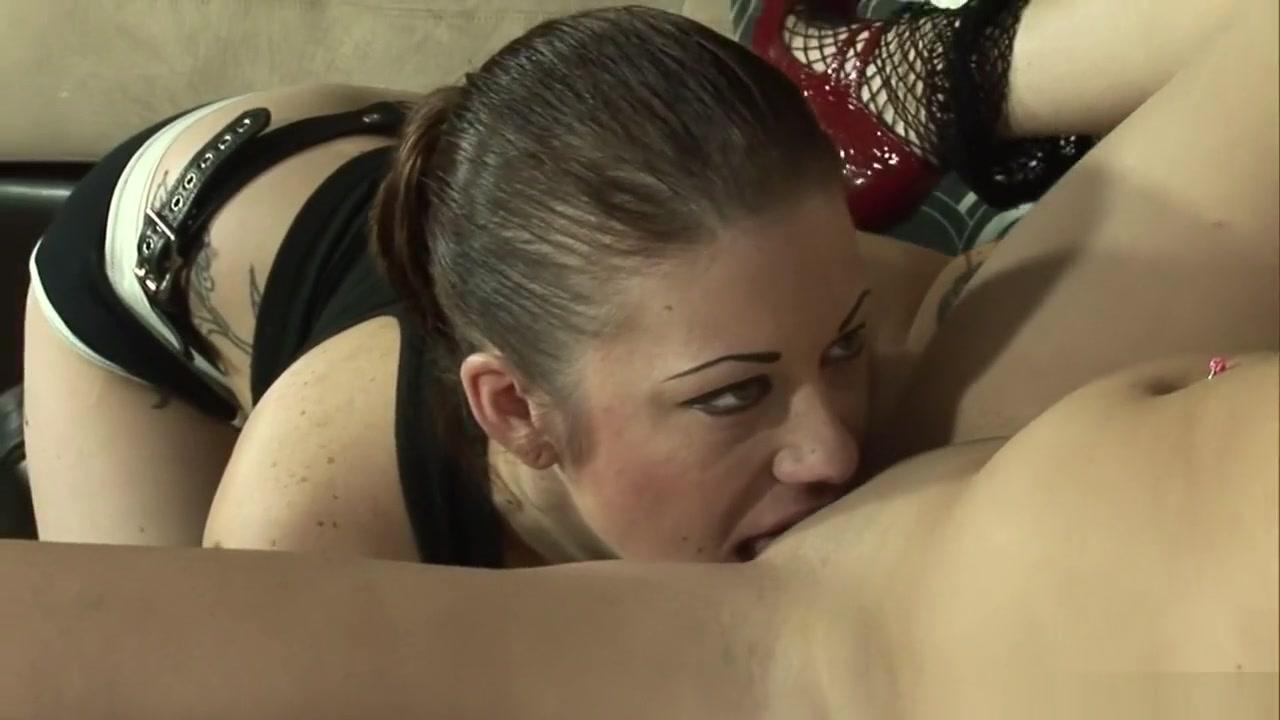 Galleries masturbates Lesbiyen sexx