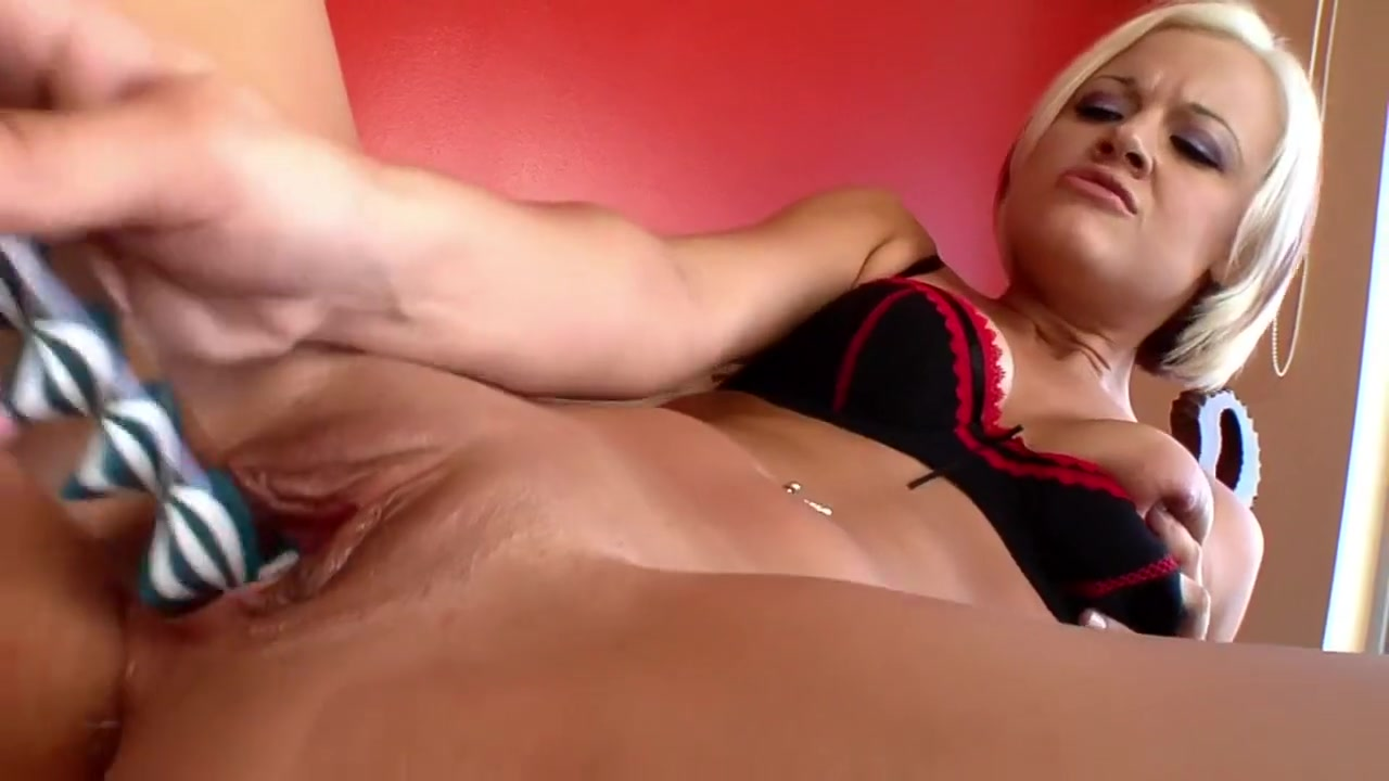 Wild squirting in a dungeon Porn clips