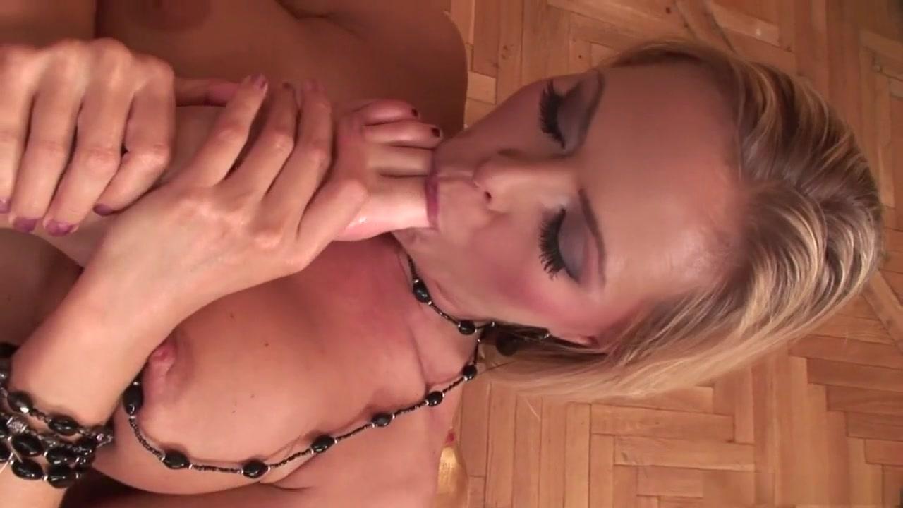 Lesbion sex licking Striptease