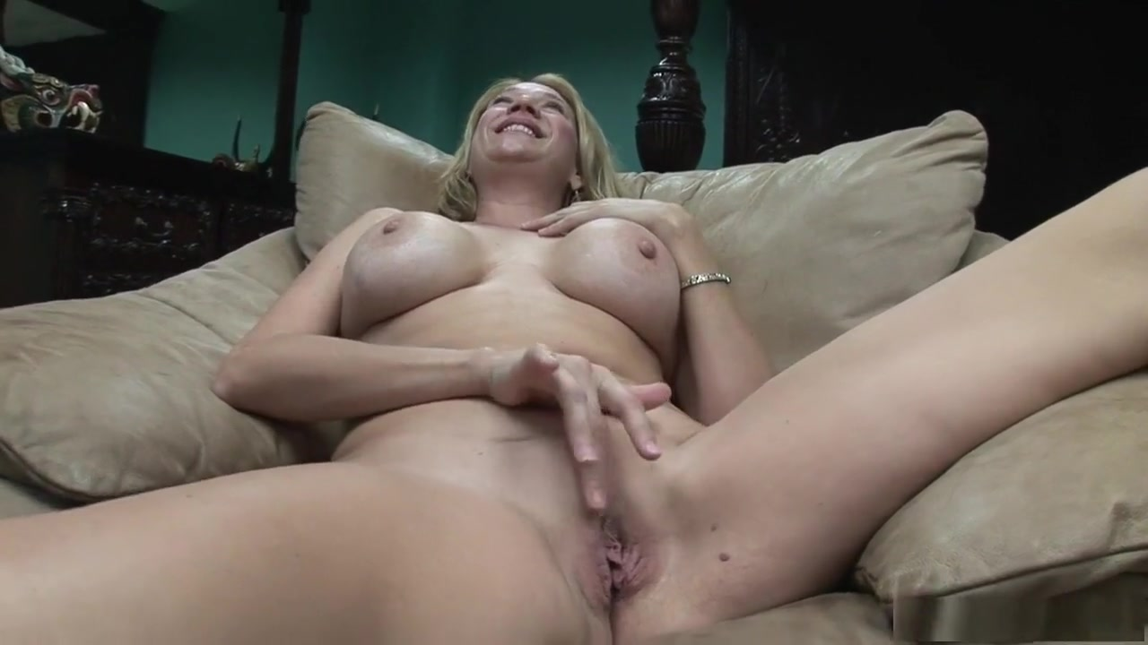 Two Lesbian Teens making out Quality porn