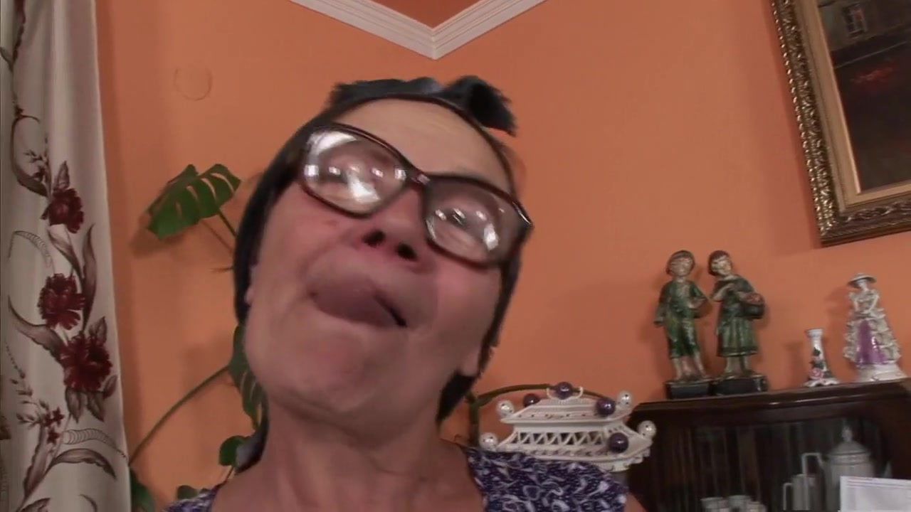 Sexy girls in chucks Porn clips