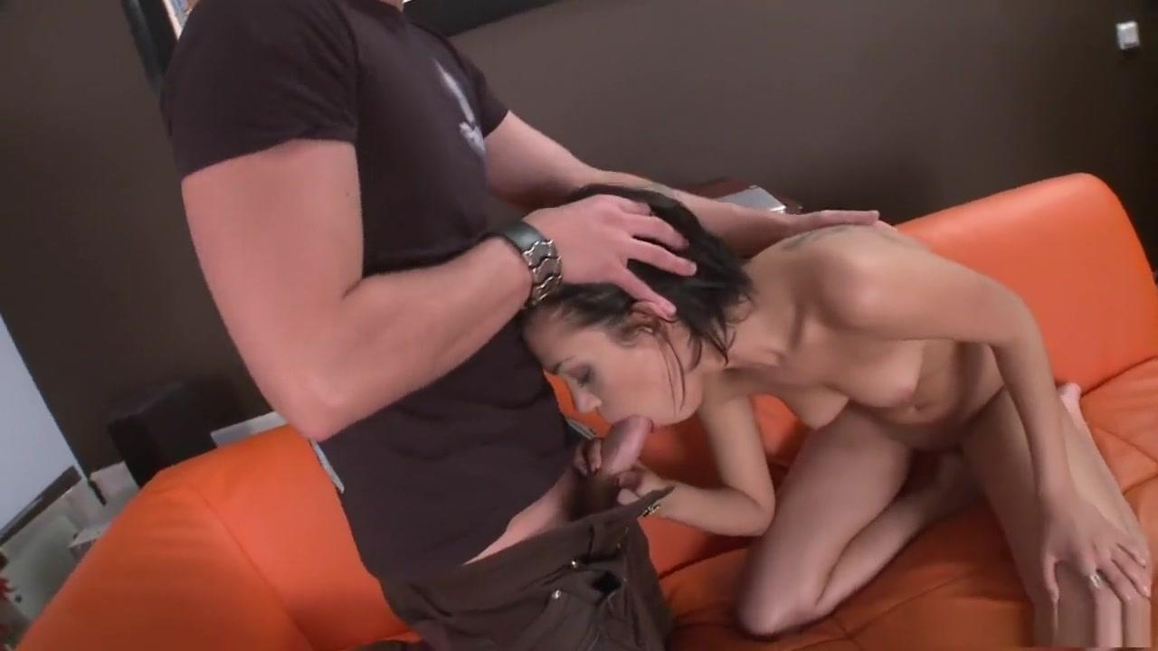 Hot Nude Ebony gets pounded