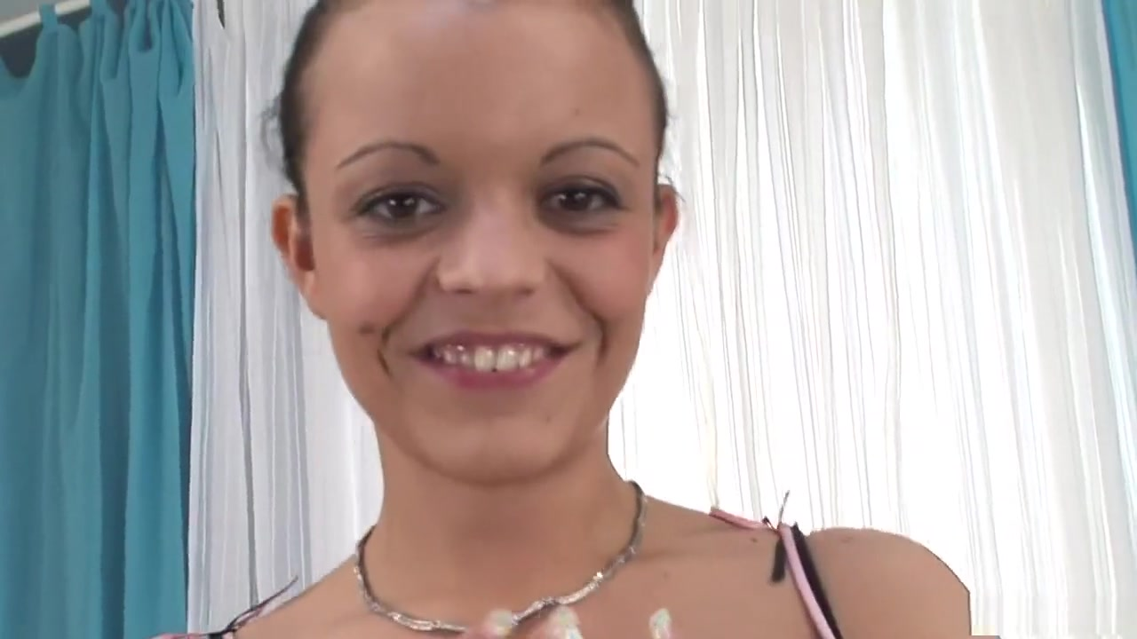 Porn clips Free lesbian missionary strap on