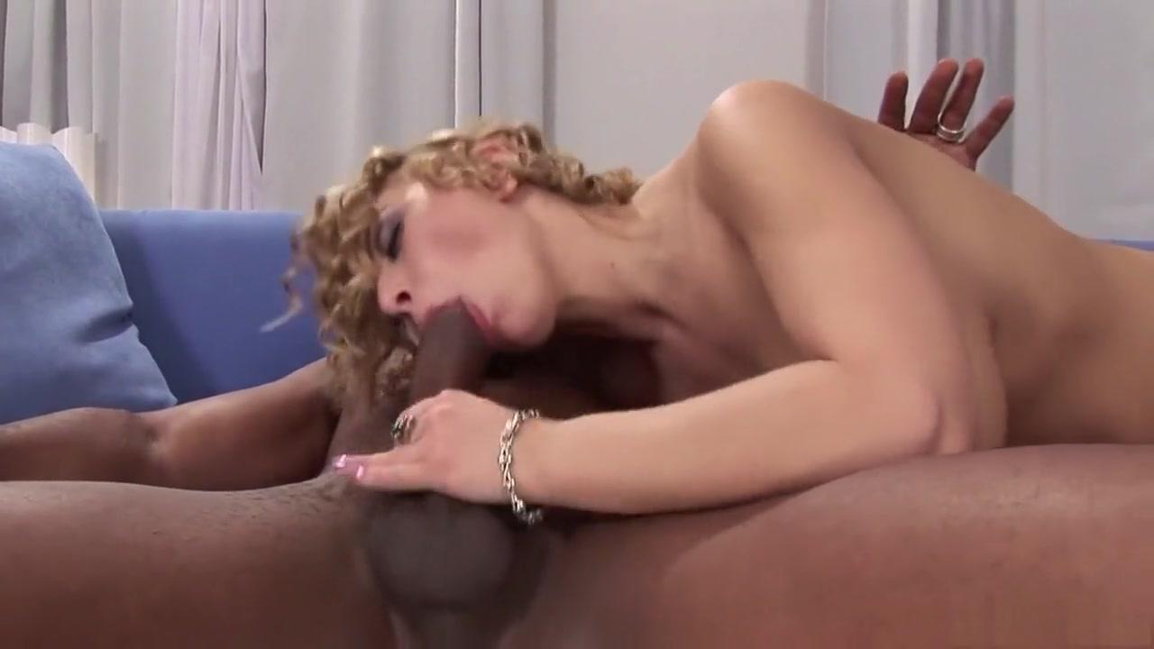 New porn Sexy blonde babe gets her wet cunt