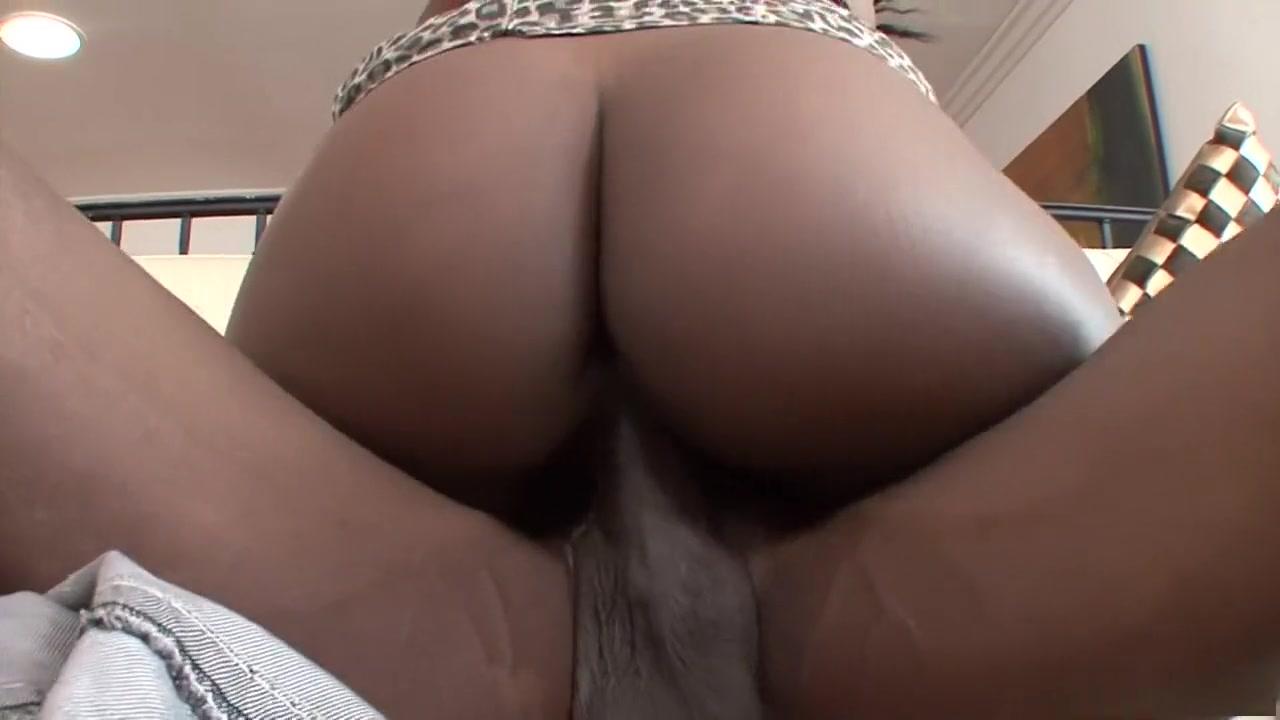 Porn pics nude lesbian