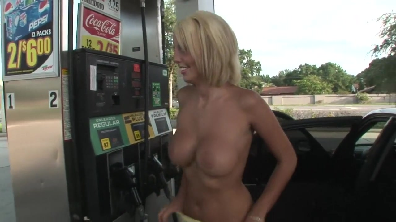 Naked Porn tube Babe milf sleepover panty and upskirt cam