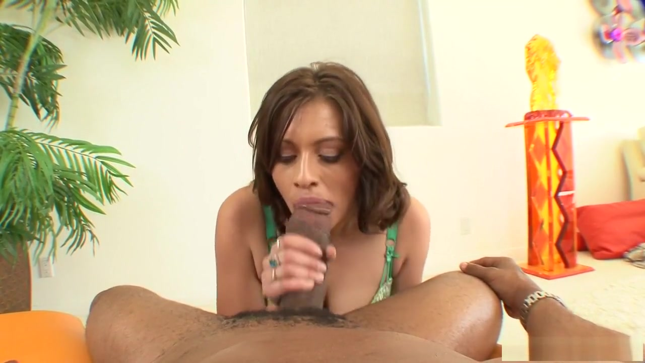 Hot Nude gallery Busty latina blowjob
