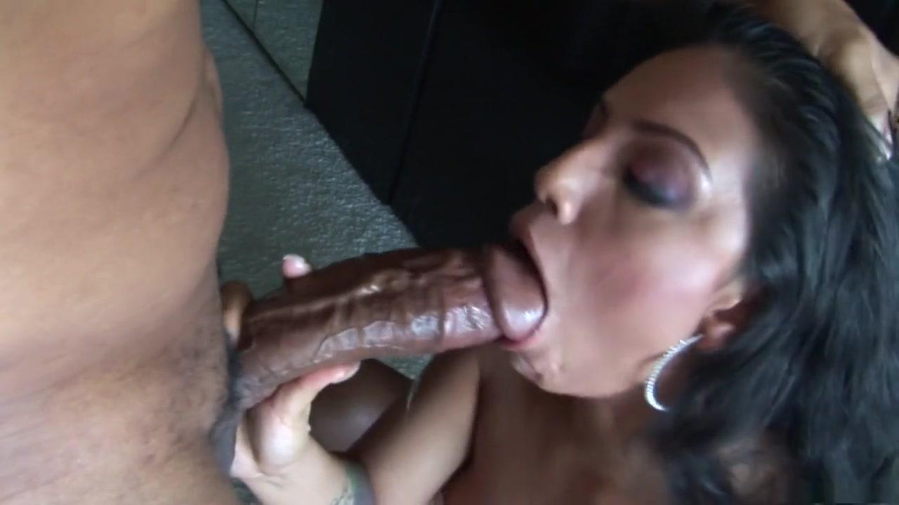 Sexy Photo Athletic man fucks two sissies threesome