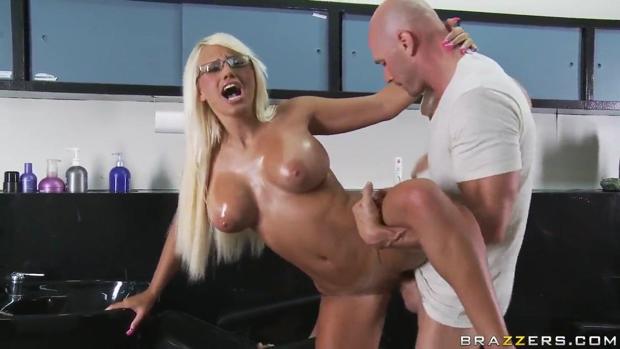 Nude gallery Busty milf fingering to orgasm