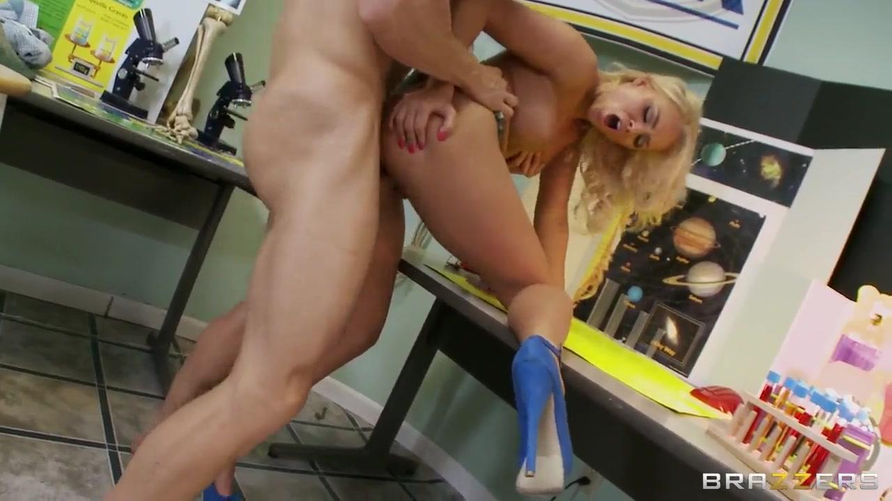 Naked xXx Big hd porn pics