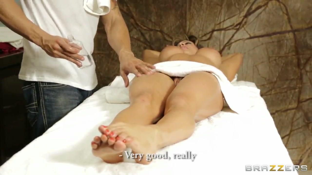 Porn clips Busty island adventure