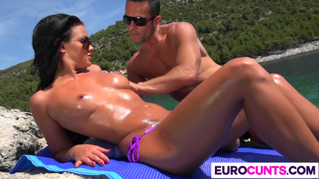 mature shiny pantyhose Porn archive
