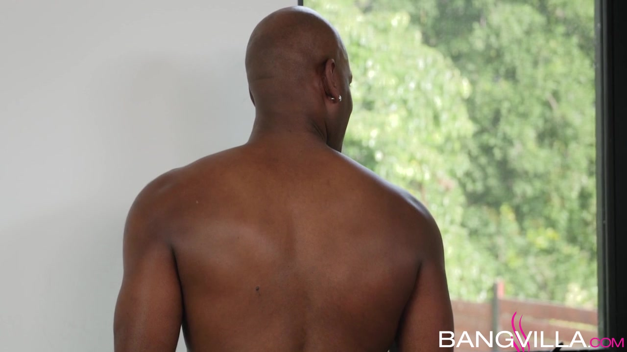 FuckBook Base Ebony guy fucks white granny sara