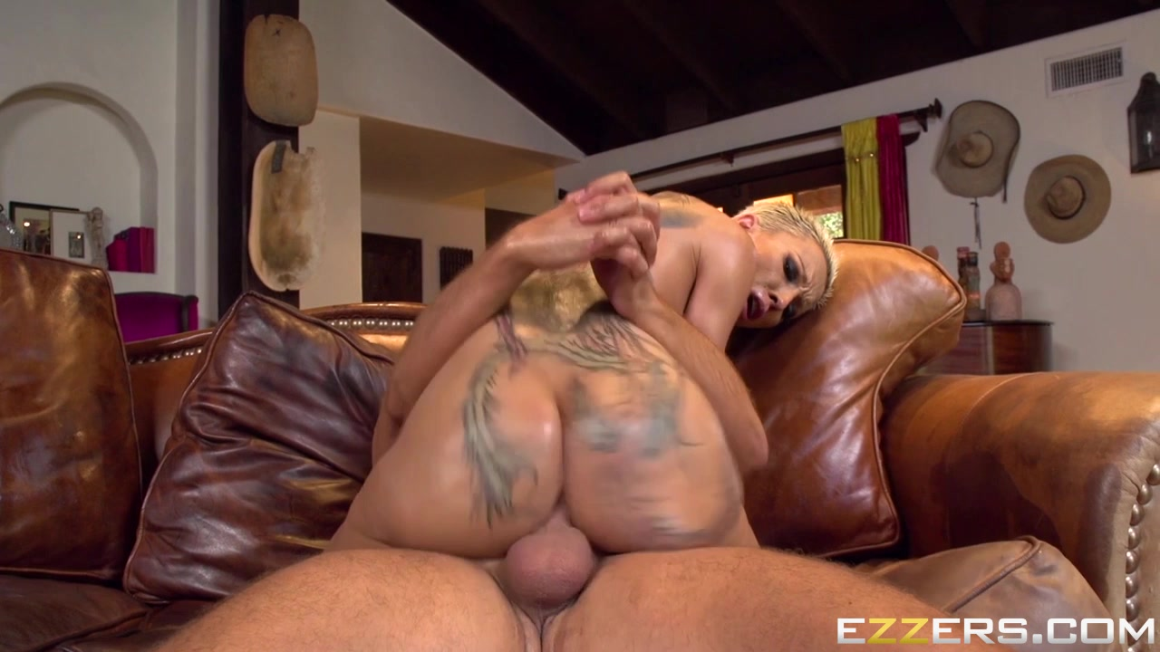 Best porno Curly Latina Maya Morena drilled by the detective