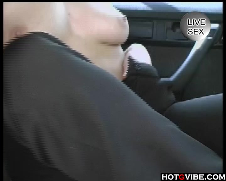 Busty milf rayveness cocksucks till cumontits Porn Galleries
