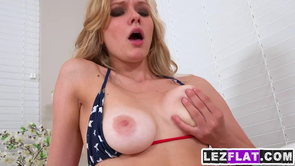 Girls using pics bathroom sexy