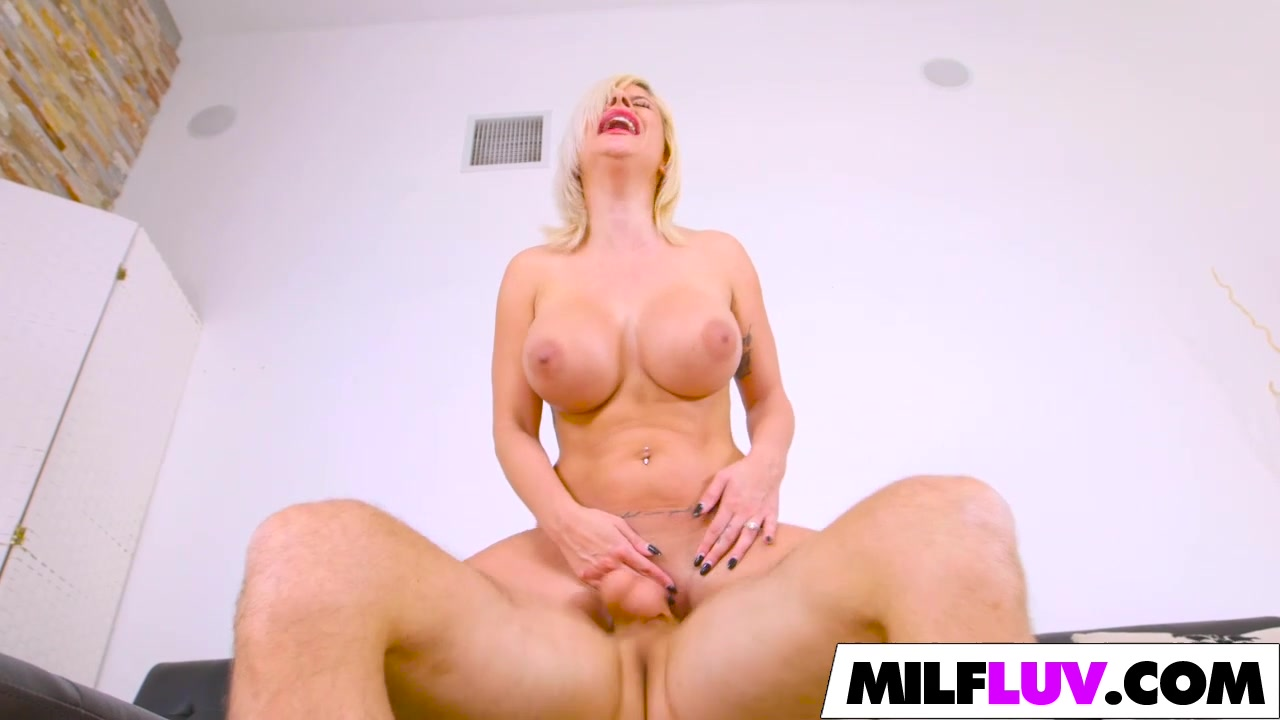 Sexy MILF Sara St Clair Gets Banged Twins fucking one guy