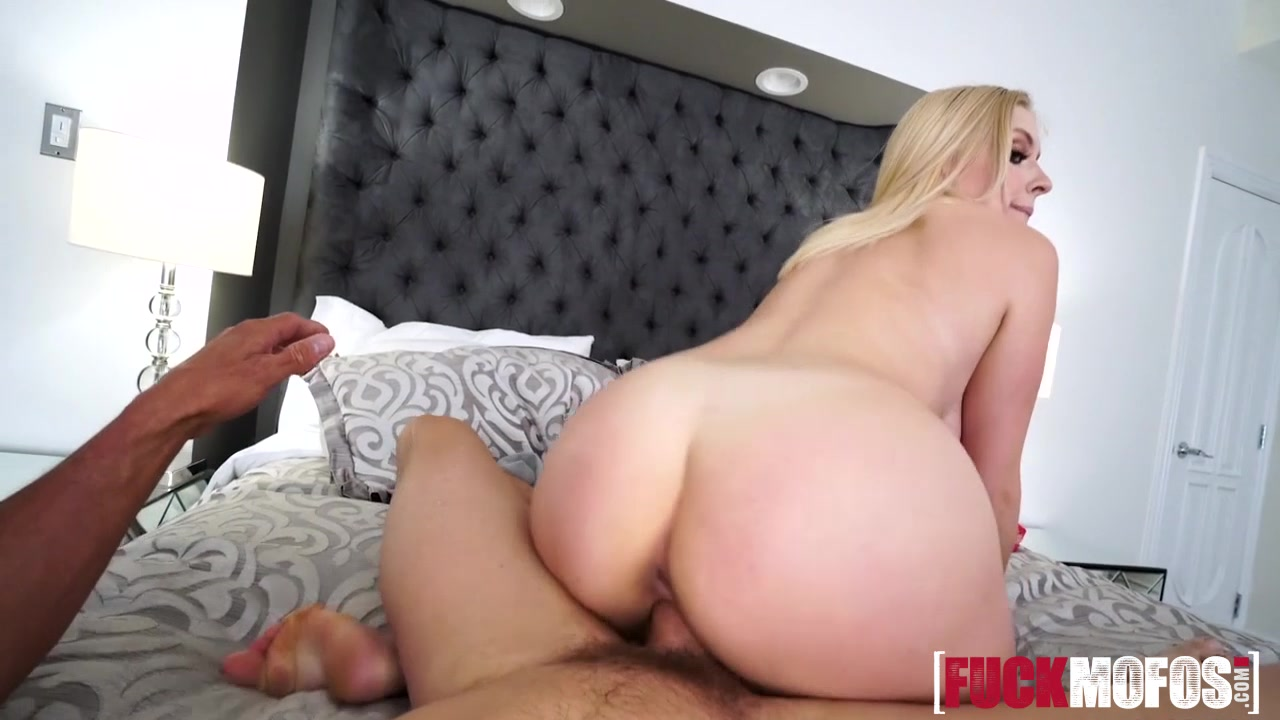 Naked Galleries Big pussy hole pic