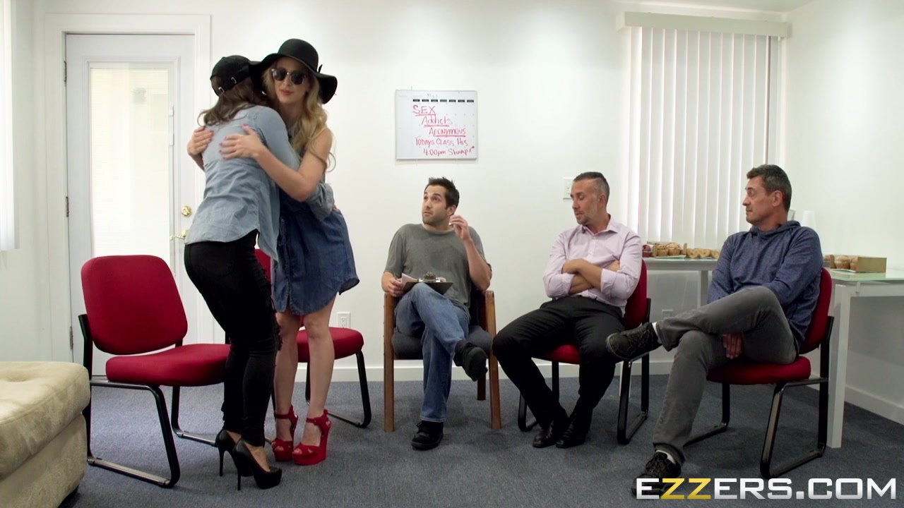 Sexy xXx Base pix In love with emotionally unavailable man