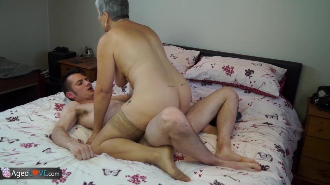 Sexy por pics Round ass nude pics